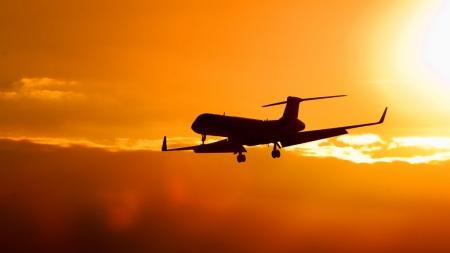 airplane-clear-skies